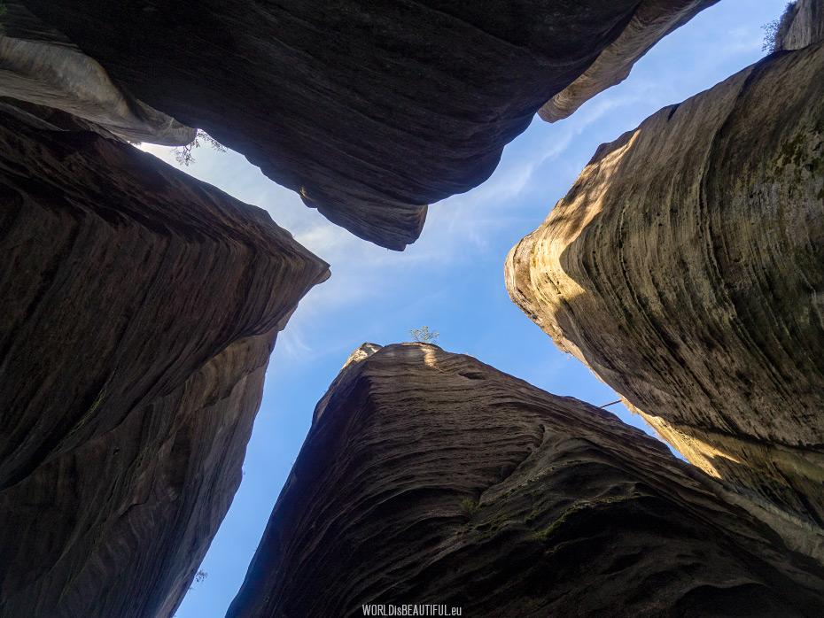 Giant sandstones