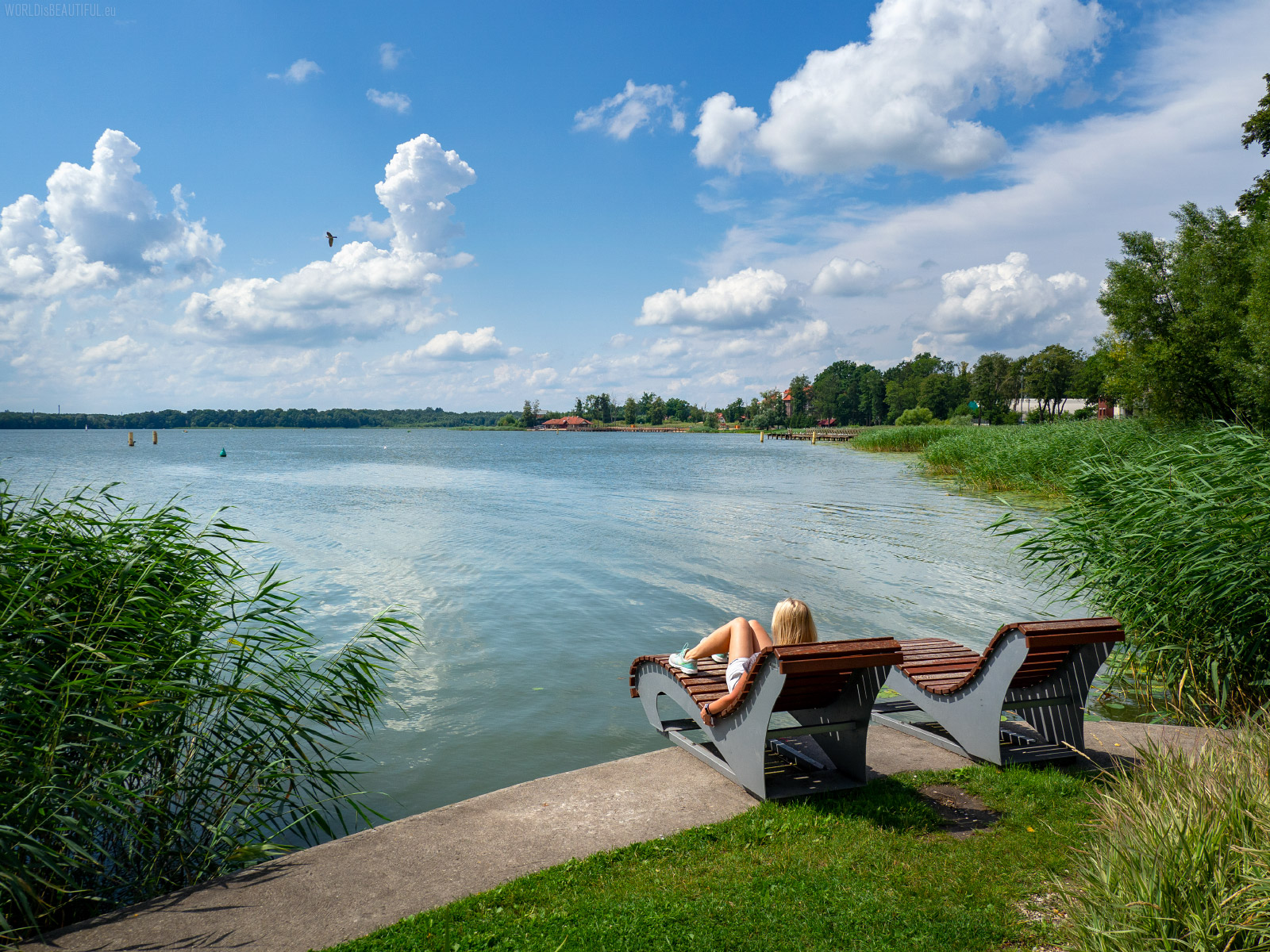 Relax at the Drwęckie Lake