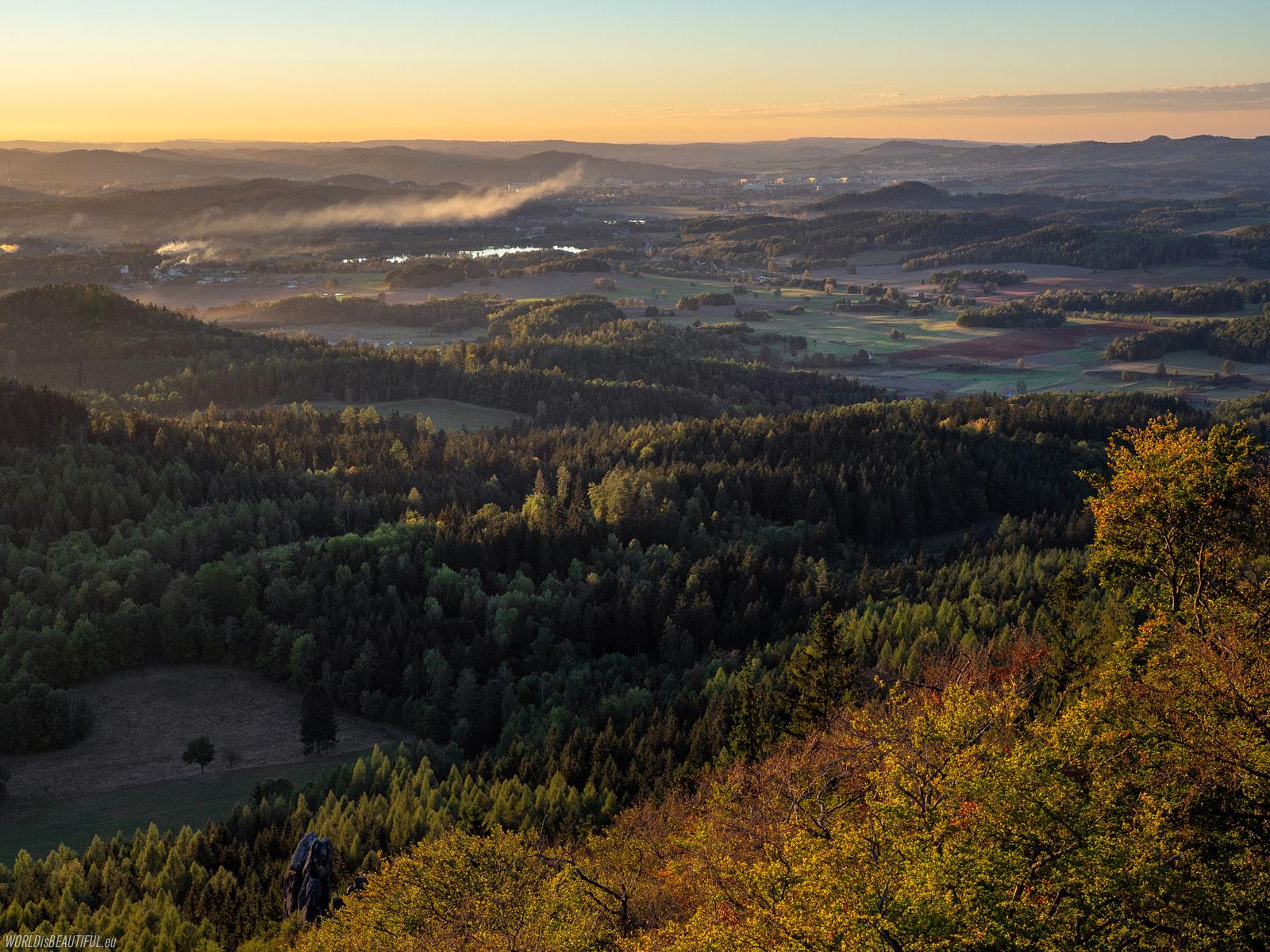 Jelenia Góra widziana z Gór Sokolich