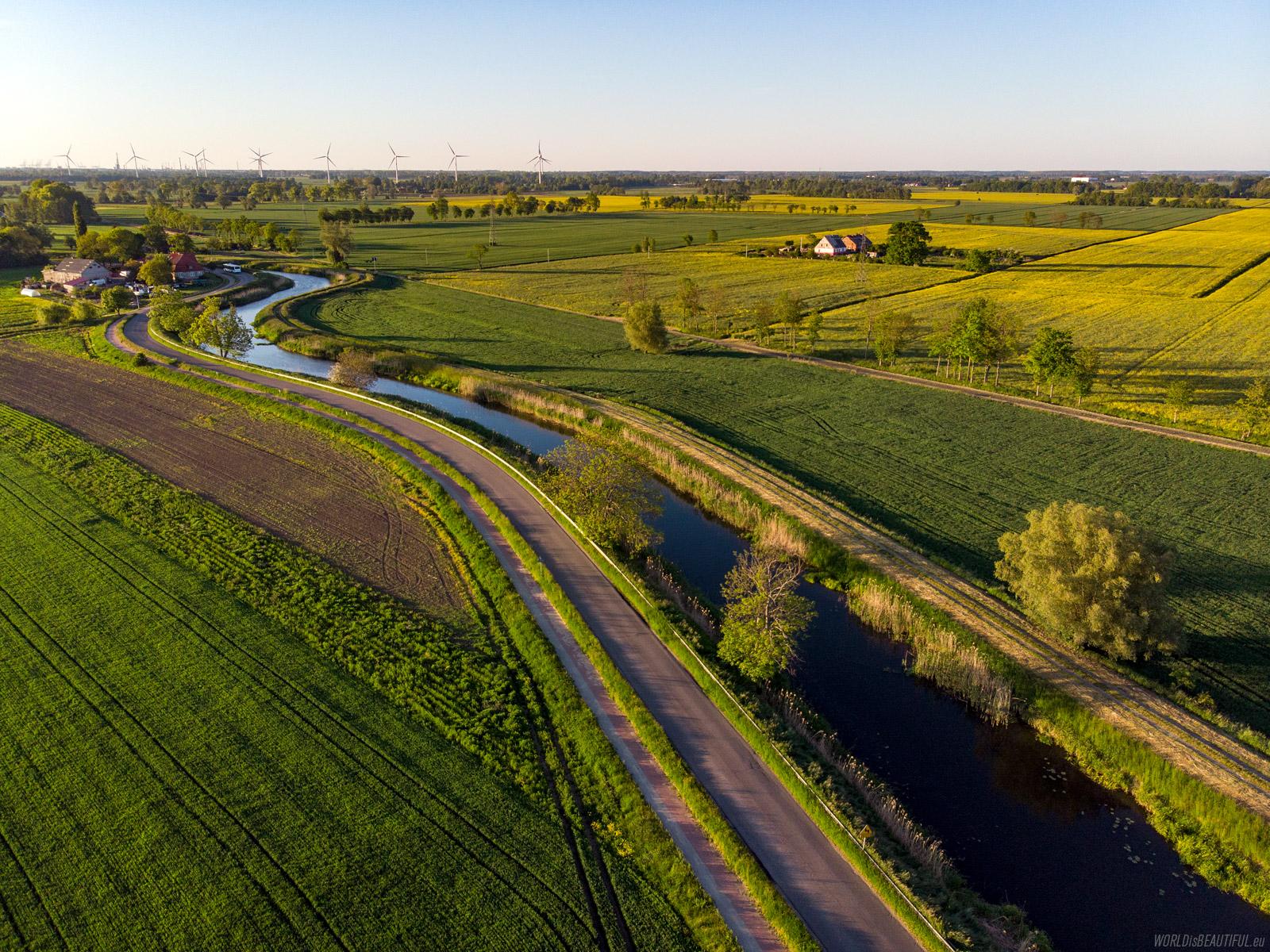 The Motława River flows to Gdańsk