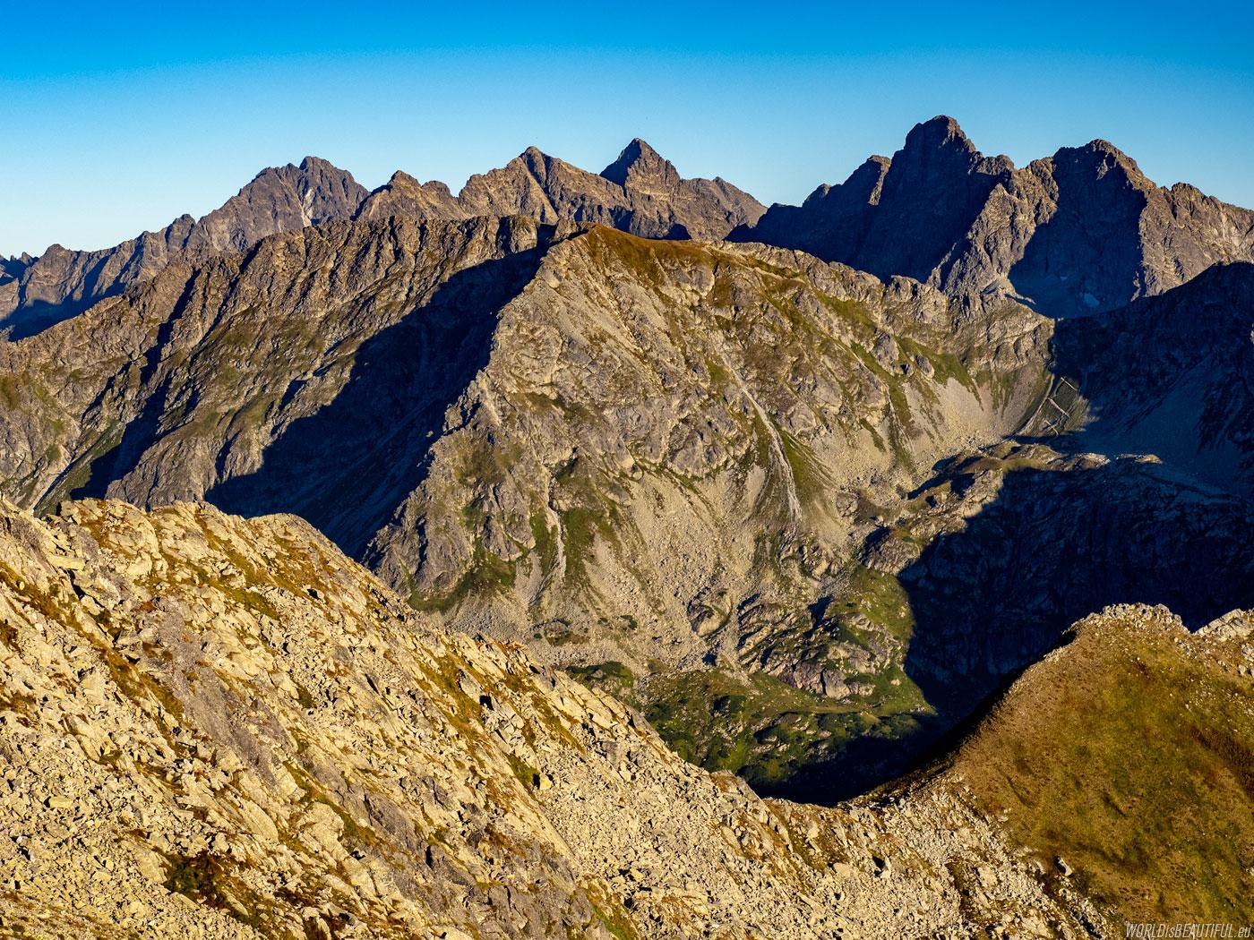 Przełęcz Zawrat - panorama Tatr