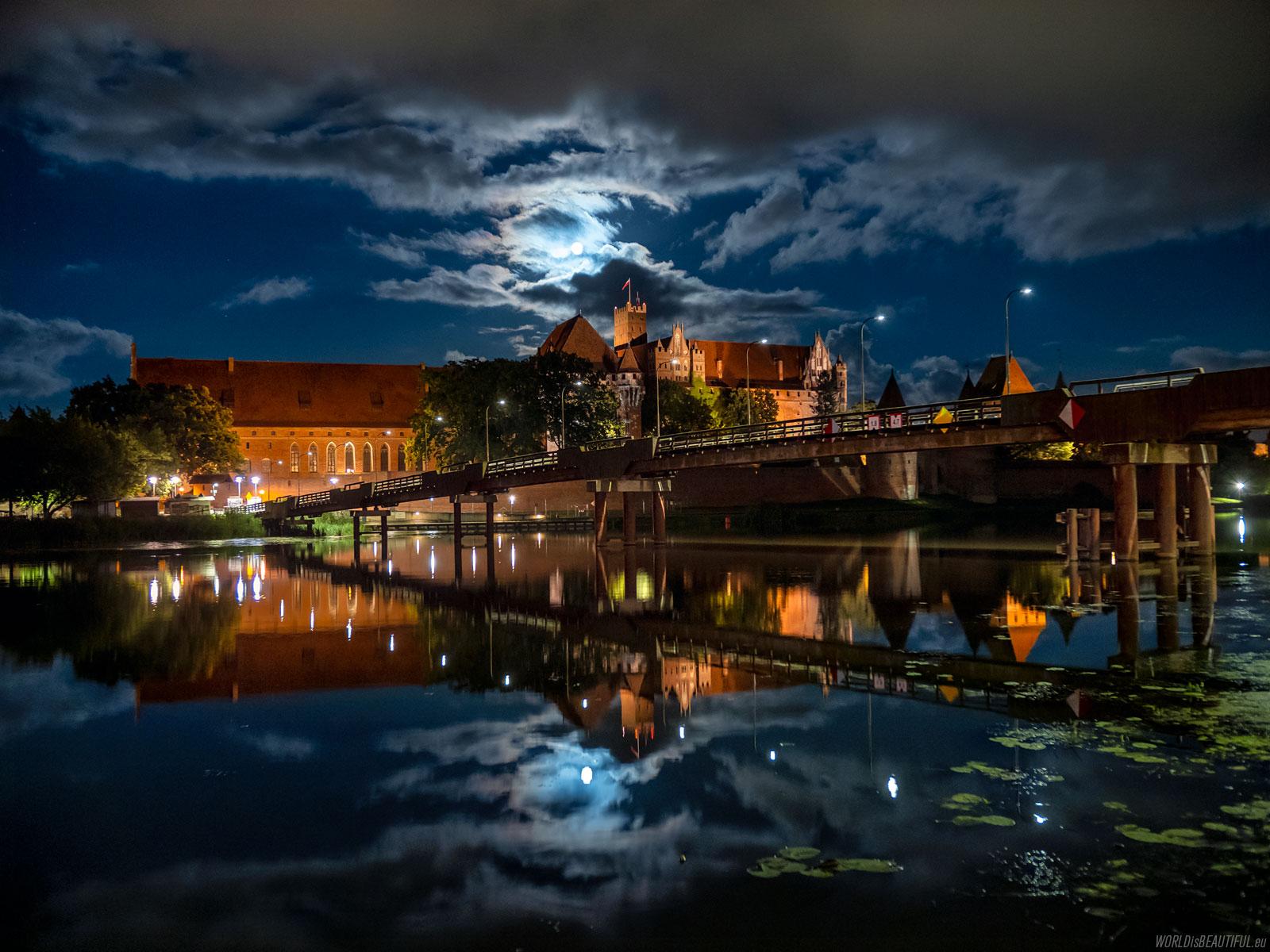 A night in Malbork