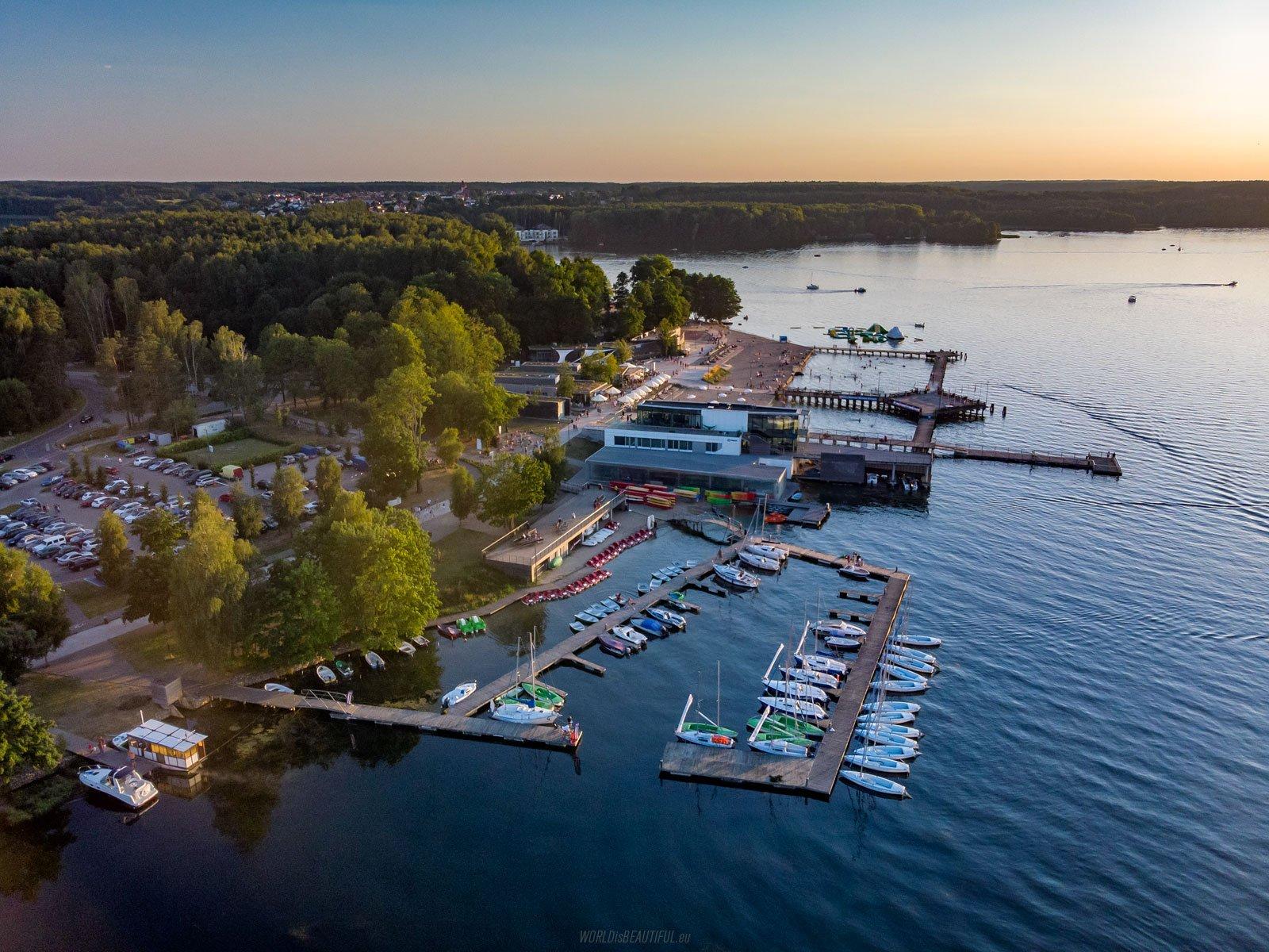 A marina at Lake Ukiel