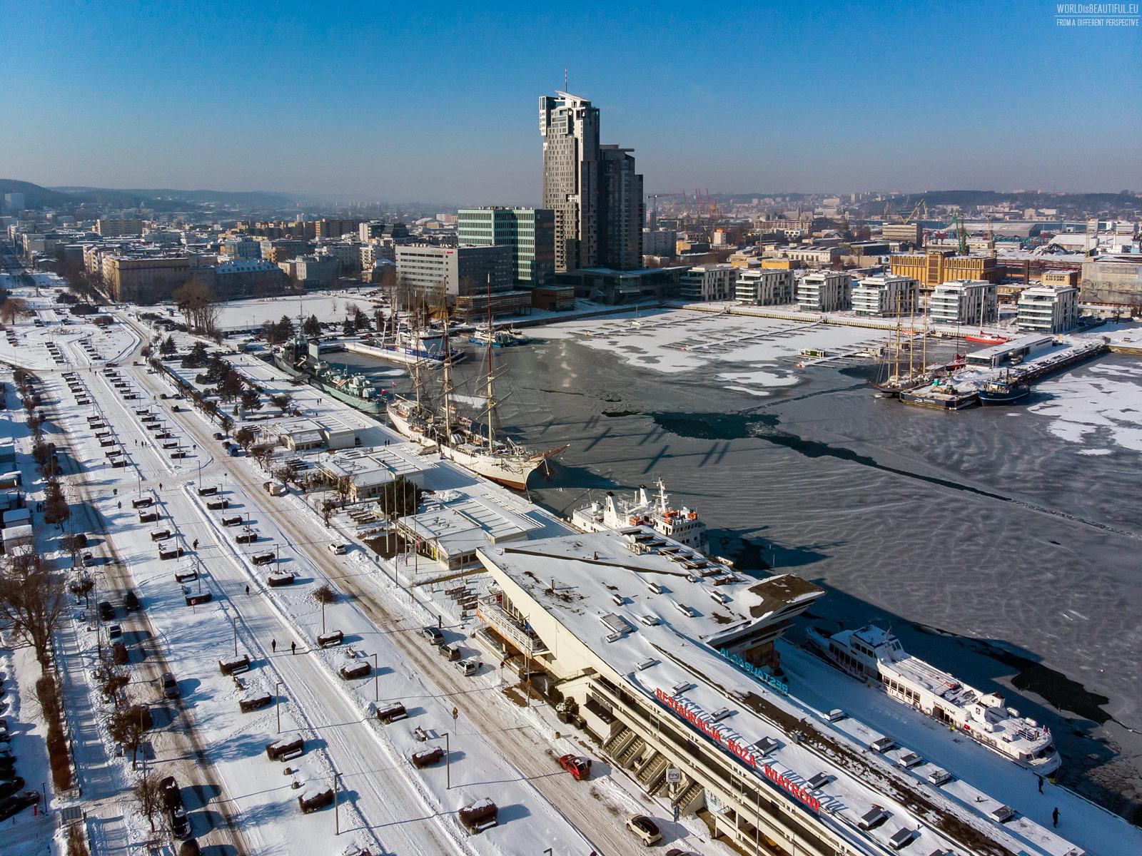 Biała i mroźna Gdynia