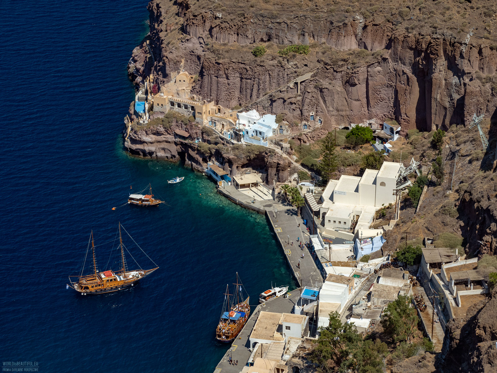 Old harbor of Fira