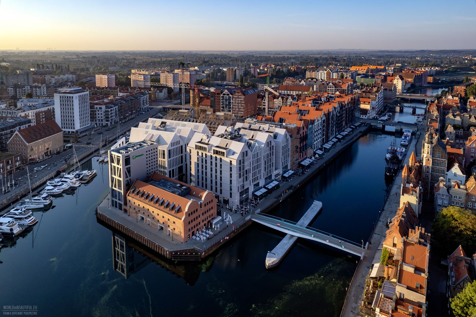 Hotels and restaurants in the center of Gdańsk