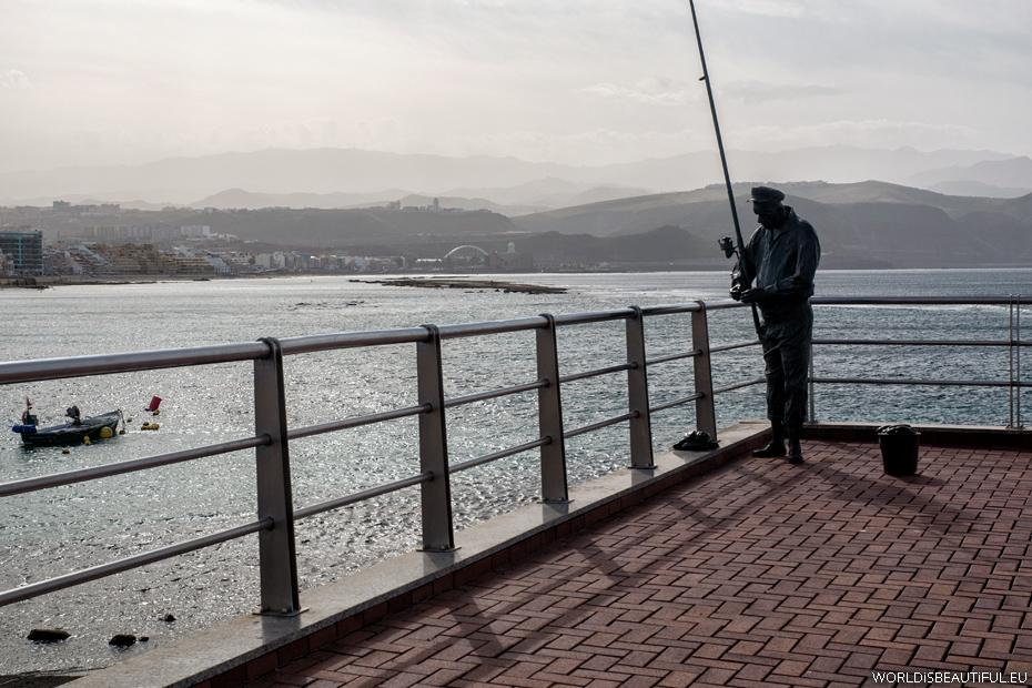 Rzeźba przy plaży w Las Palmas