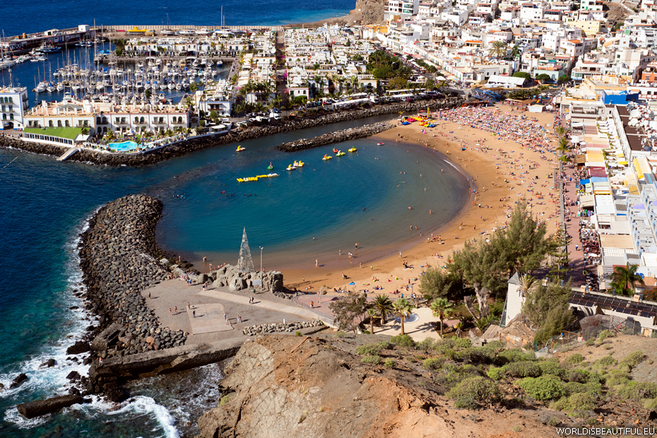 The beach in Puerto De Mogan