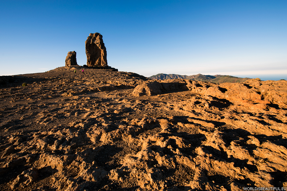 The trail to Roque Nublo