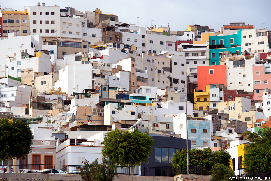 Houses on the hill in Las Palmas