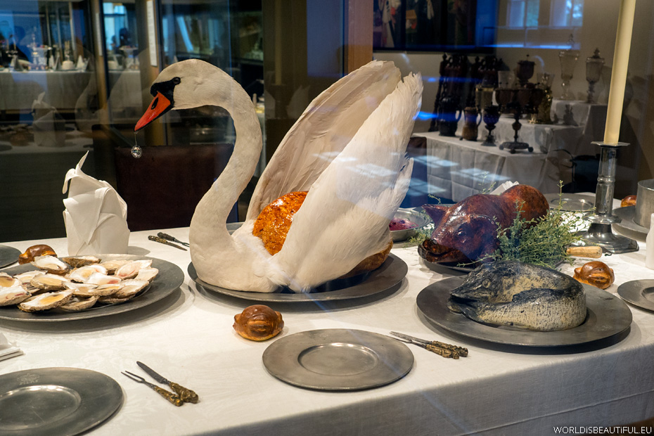 Do Swedes eat swans?