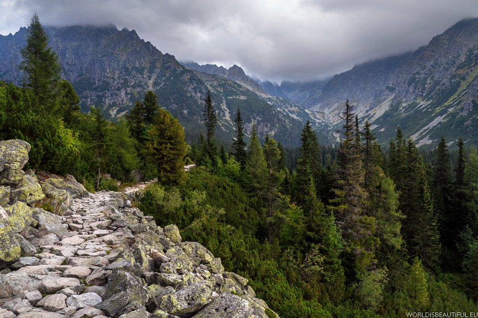Trail from Rysy Mount to Slovakia