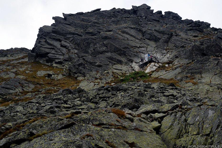 Atrakcja na skalnym zboczu