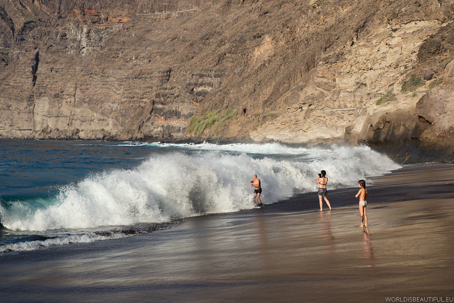 Giant ocean waves in Tenerife