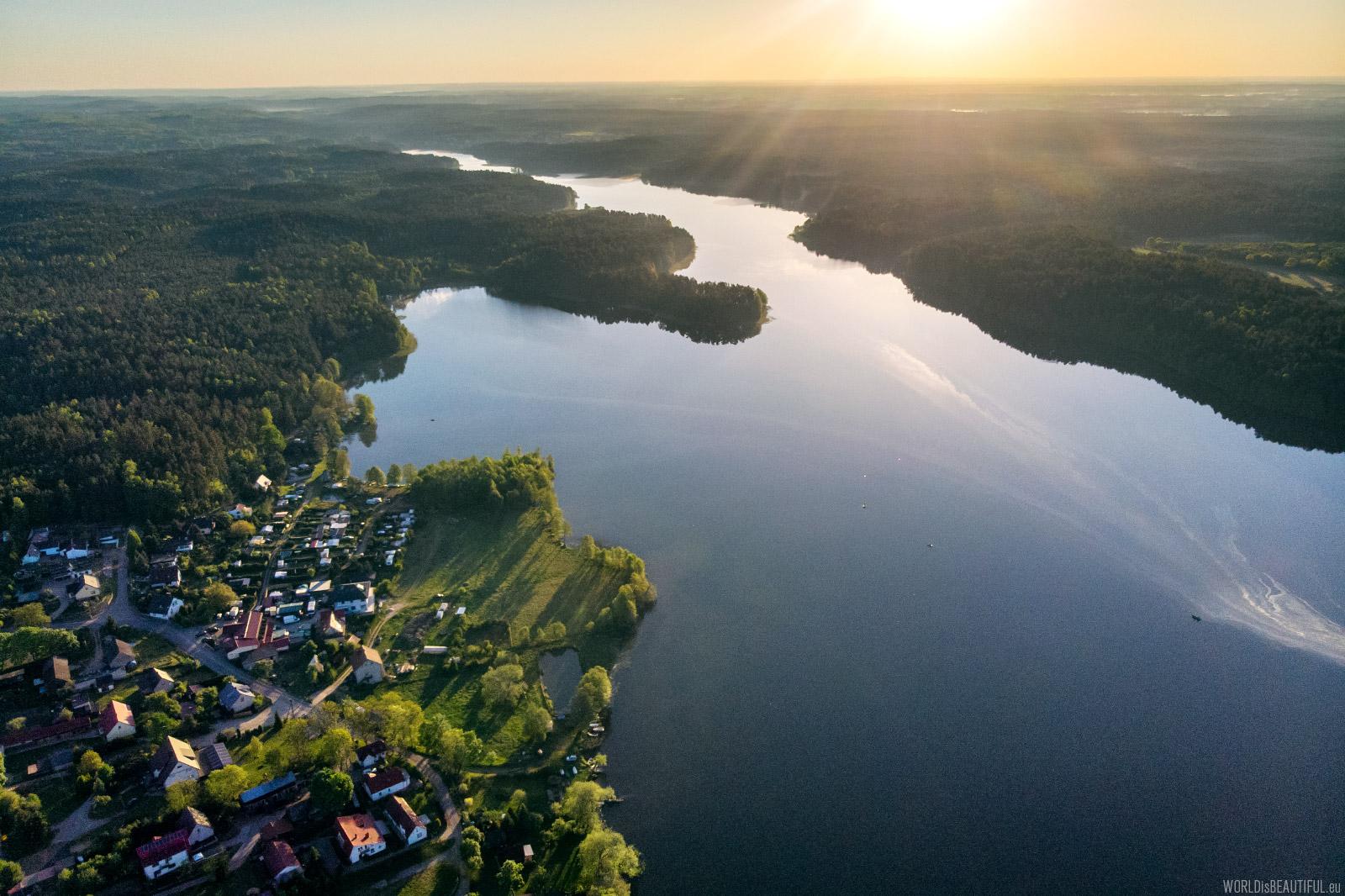 Kłączno - lake and village